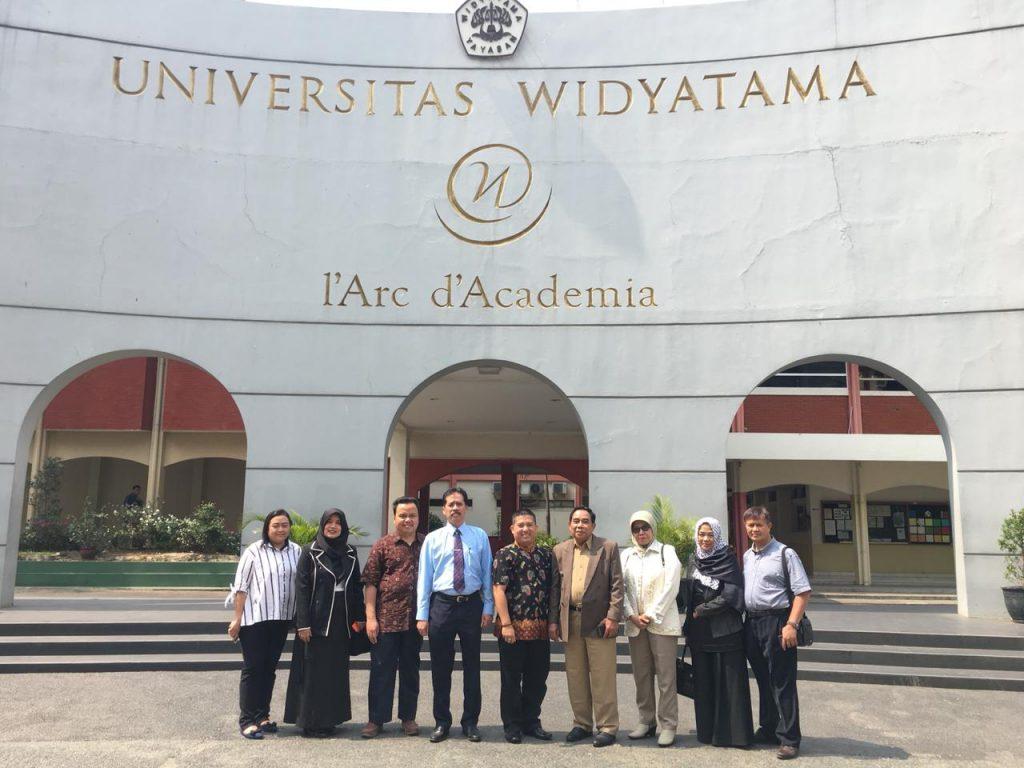 Studi Banding Universitas Bale Bandung